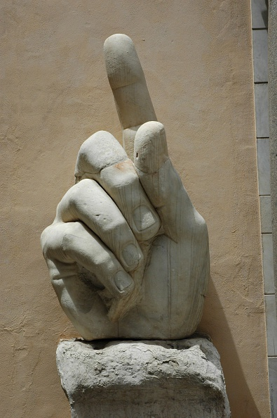 Hand「The Hand From A Gigantic Statue Of Constantine The Great. Country Of Origin: Italy. Culture: Roman.  Artist: Werner Forman.」:写真・画像(13)[壁紙.com]