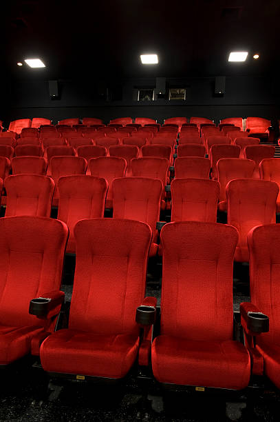 Red theatre seats:スマホ壁紙(壁紙.com)