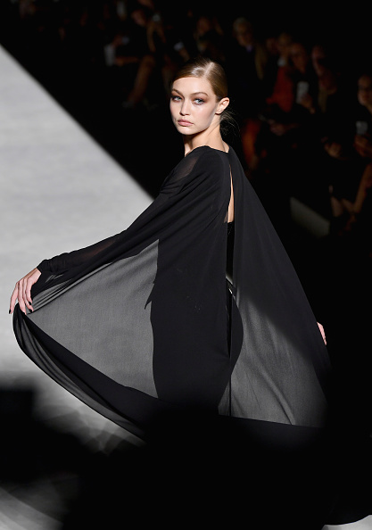 ニューヨークファッションウィーク「Tom Ford - Runway - September 2018 - New York Fashion Week」:写真・画像(0)[壁紙.com]