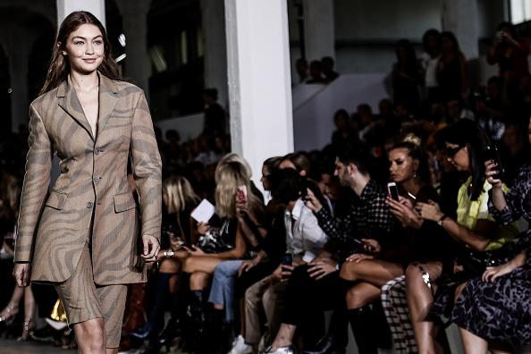Roberto Cavalli - Designer Label「Colour Alternative View - Milan Fashion Week Spring/Summer 2019」:写真・画像(7)[壁紙.com]