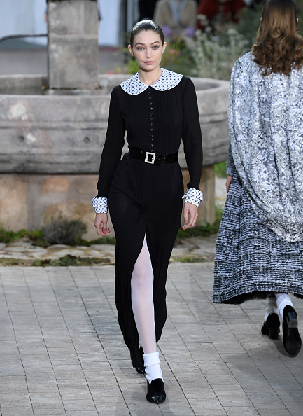 Paris Haute Couture Fashion Week「Chanel : Runway - Paris Fashion Week - Haute Couture Spring/Summer 2020」:写真・画像(7)[壁紙.com]