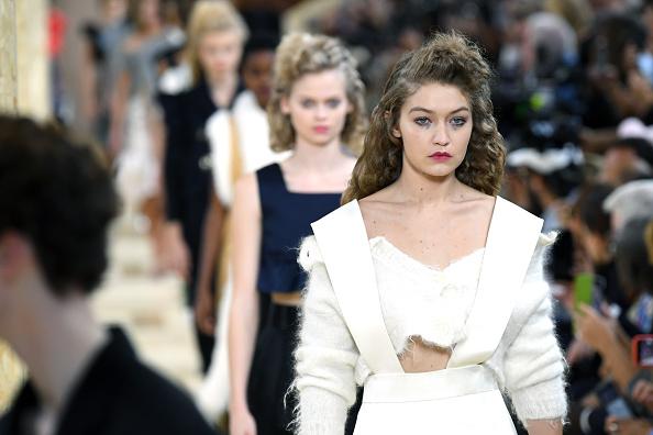 Spring Summer Collection「Miu Miu : Runway - Paris Fashion Week - Womenswear Spring Summer 2020」:写真・画像(6)[壁紙.com]