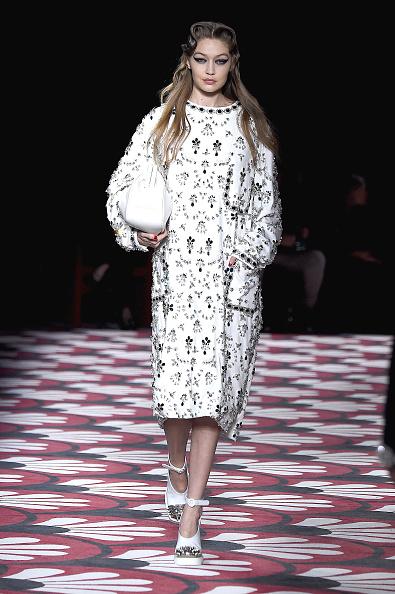 Miu Miu「Miu Miu : Runway - Paris Fashion Week Womenswear Fall/Winter 2020/2021」:写真・画像(14)[壁紙.com]