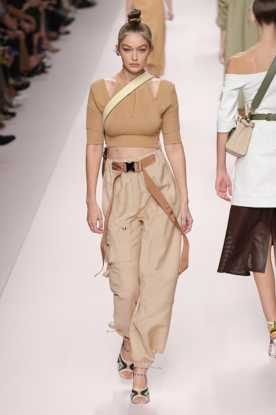 High Waist Pants「Fendi - Runway - Milan Fashion Week Spring/Summer 2019」:写真・画像(12)[壁紙.com]