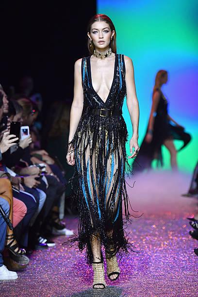 Elie Saab : Runway - Paris Fashion Week Womenswear Spring/Summer 2017:ニュース(壁紙.com)