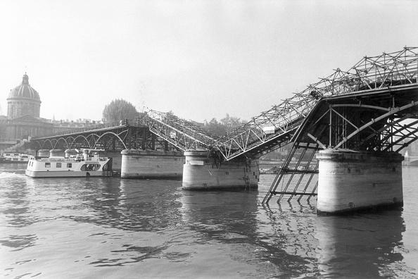 Bridge - Built Structure「Bad Luck Bridge」:写真・画像(15)[壁紙.com]