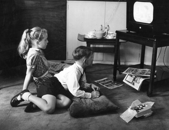 Watching「Home Viewing」:写真・画像(18)[壁紙.com]
