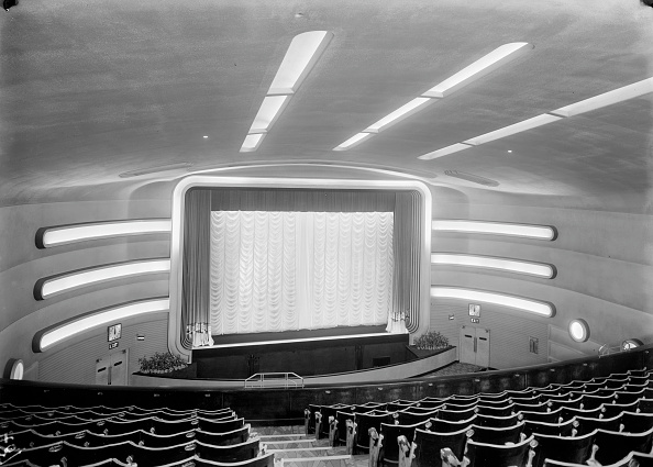Ceiling Fan「Auditorium of the Odeon, Claremont Road, Surbiton, London, c1934. Artist: J Maltby」:写真・画像(3)[壁紙.com]