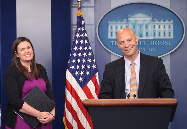 USA「Deputy Press Secretary Sarah Sanders Holds Press Briefing At White House」:写真・画像(10)[壁紙.com]