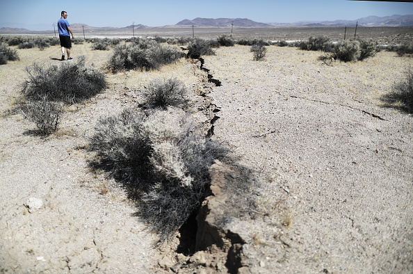 Damaged「Southern California Hit By Second Big Earthquake In Two Days」:写真・画像(13)[壁紙.com]