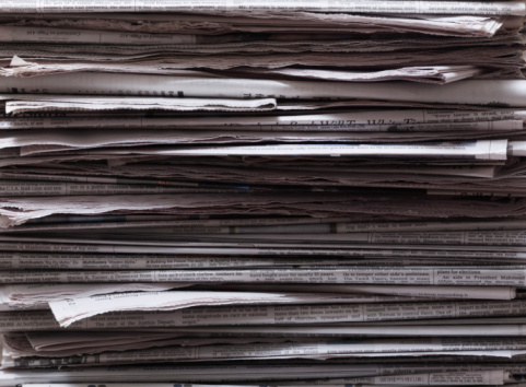 Choice「Stack of newspapers, close-up」:スマホ壁紙(8)