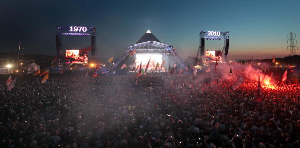 全景「Glastonbury Music Festival: 40th Anniversary - Day 2」:写真・画像(2)[壁紙.com]