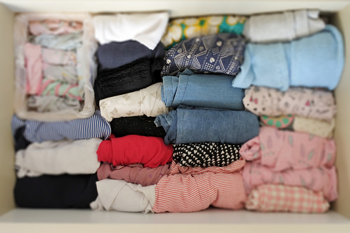 Choosing「Drawer Full of Organized Young Girl Clothing」:スマホ壁紙(5)