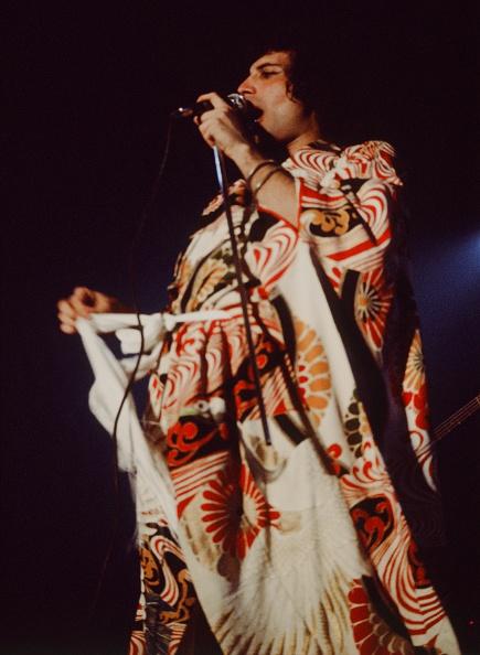 着物「Queen Live At Nippon Budokan Freddie Mercury In Kimono」:写真・画像(10)[壁紙.com]