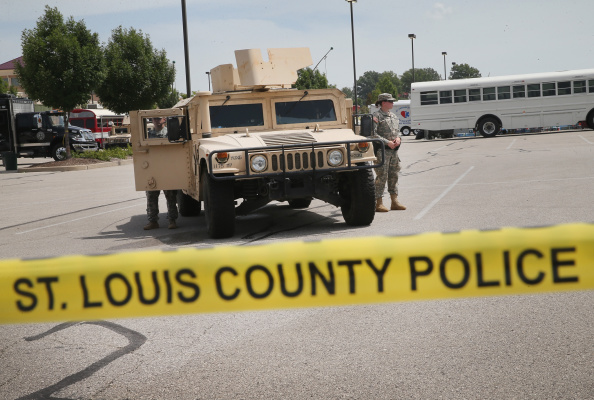 Missouri「Governor Orders Withdrawal Of Nat'l Guards From Ferguson」:写真・画像(1)[壁紙.com]