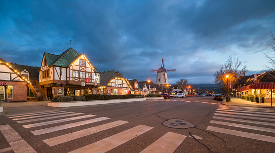 Danish Culture「City of Solvang, California」:スマホ壁紙(3)