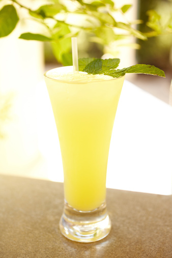 Lemon Soda「Vodka lemonade with mint」:スマホ壁紙(3)
