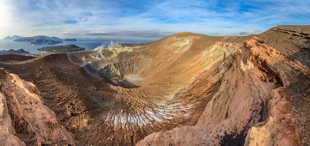 Sulphur「Vulcano - Gran Cratere della Fossa, Aeolian Islands - Sicily」:スマホ壁紙(18)