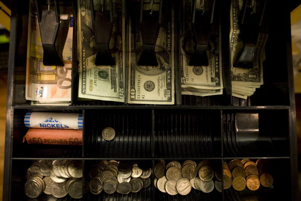 Loaf of Bread「Shops In New York's Tony Hamptons Begin To Accept Euros」:写真・画像(2)[壁紙.com]