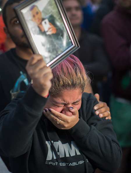 Shooing「Nation Mourns Victims Of Worst Mass Shooting In U.S. History」:写真・画像(14)[壁紙.com]