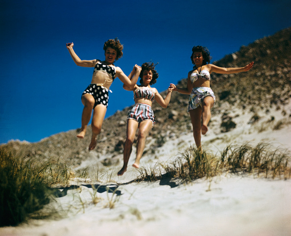 Summer「Girls Running on Beach」:写真・画像(9)[壁紙.com]