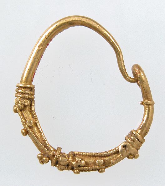 Costume Jewelry「Earring」:写真・画像(9)[壁紙.com]