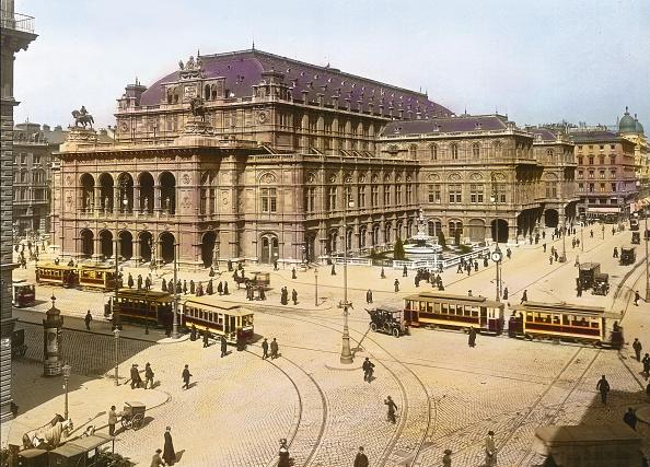 Footpath「Vienna Court Opera House (Vienna State Opera). Vienna, first district. Hand-colored lantern slide. Around 1910.」:写真・画像(5)[壁紙.com]
