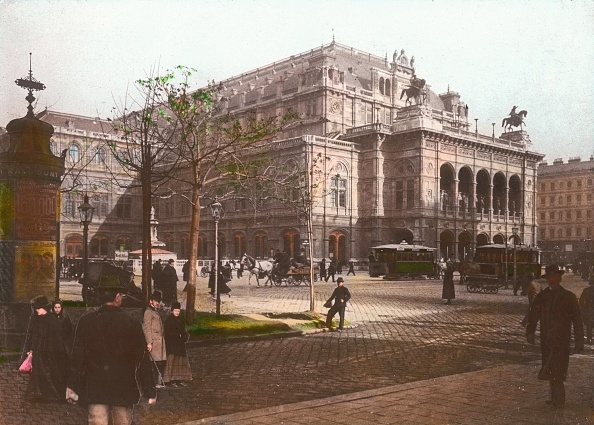 Footpath「Vienna Court Opera (Vienna State Opera). Vienna, first district. Hand-colored lantern slide. Around 1910.」:写真・画像(14)[壁紙.com]