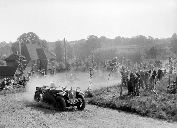 Dust「Andre V6, Bugatti Owners Club Hill Climb, Chalfont St Peter, Buckinghamshire, 1935」:写真・画像(9)[壁紙.com]