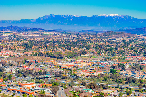 Town Square「Wine country panoramic of Temecula Valley with it's rustic old west buildings, CA (P)」:スマホ壁紙(3)
