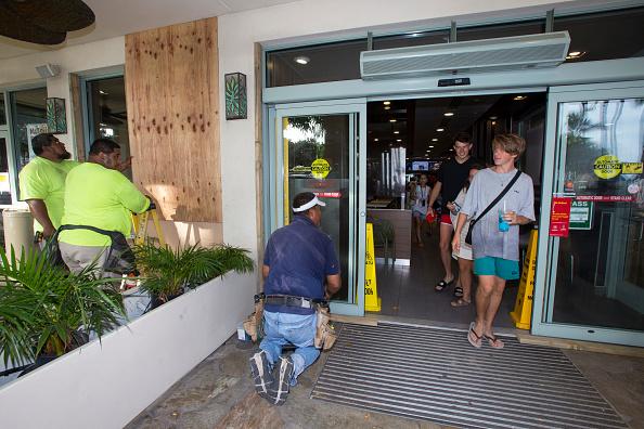 オアフ島「Residents Of Hawaii Prepare For Hurricane Lane」:写真・画像(13)[壁紙.com]