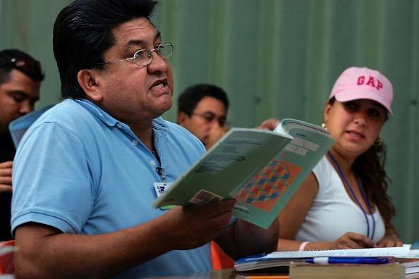 Language「Miami Schools Teach Adults English As A Second Language」:写真・画像(14)[壁紙.com]