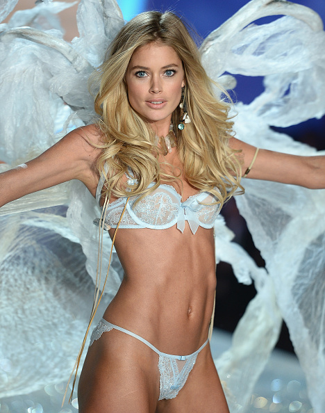 金髪「2013 Victoria's Secret Fashion Show - Show」:写真・画像(5)[壁紙.com]