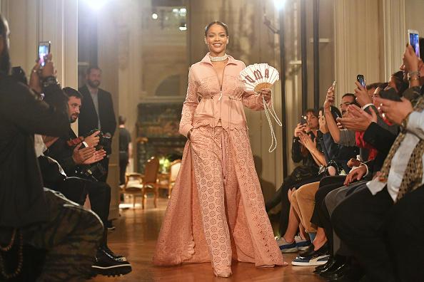 Pascal Le Segretain「FENTY x PUMA by Rihanna : Runway - Paris Fashion Week Spring/Summer 2017」:写真・画像(16)[壁紙.com]