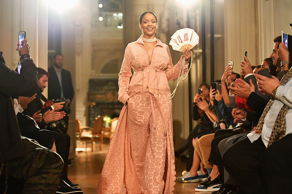 Catwalk - Stage「FENTY x PUMA by Rihanna : Runway - Paris Fashion Week Spring/Summer 2017」:写真・画像(19)[壁紙.com]
