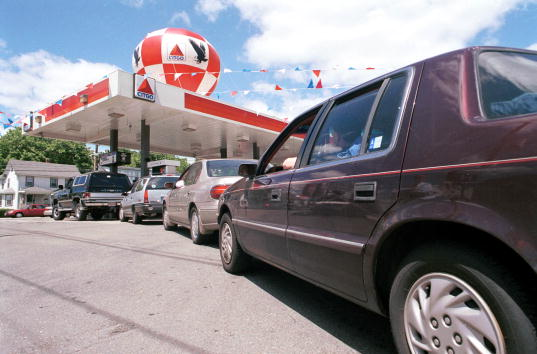 In A Row「GAS PRICES RISE FOR MEMORIAL DAY WEEKEND」:写真・画像(19)[壁紙.com]
