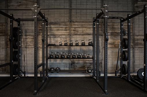 Health Club「Kettlebells in Gym Setting」:スマホ壁紙(9)