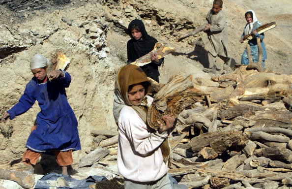 Kabul「Afghan Children Forced To Work To Make Money For Their Families」:写真・画像(10)[壁紙.com]