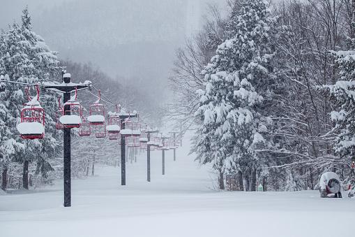 スノーボード「Snow Filled Ski Lift」:スマホ壁紙(15)