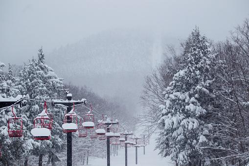 スノーボード「Snow Filled Ski Lift」:スマホ壁紙(13)