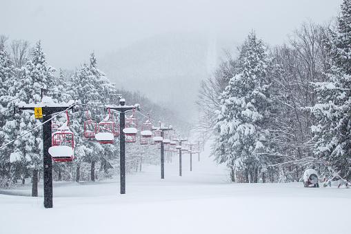 Ski Resort「Snow Filled Ski Lift」:スマホ壁紙(19)