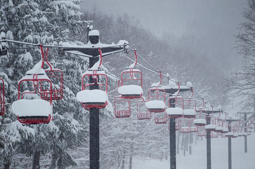 スノーボード「Snow Filled Ski Lift」:スマホ壁紙(11)