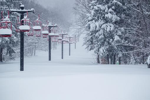 スノーボード「Snow Filled Ski Lift」:スマホ壁紙(8)