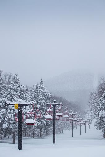 スノーボード「Snow Filled Ski Lift」:スマホ壁紙(14)