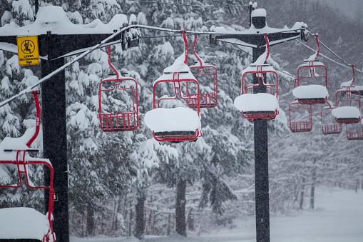 スノーボード「Snow Filled Ski Lift」:スマホ壁紙(9)