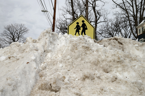2016 Winter Storm Jonas「Washington, D.C. Area Continues To Dig Out From Historic Snow Storm」:写真・画像(11)[壁紙.com]
