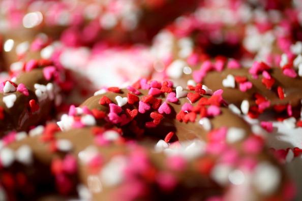Sprinkling「Miami Area Chocolatier Prepares For Valentine's Day」:写真・画像(7)[壁紙.com]