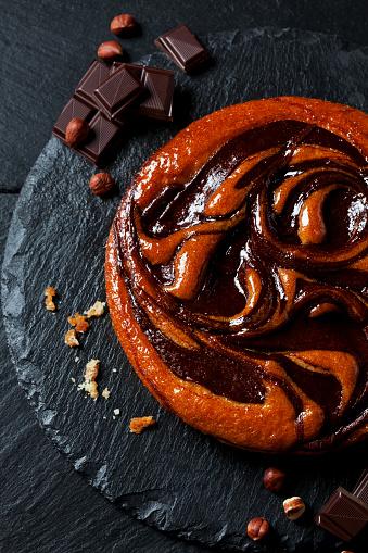 Cocoa「Chocolate cake, hazelnuts and bittersweet chocolate on slate」:スマホ壁紙(3)