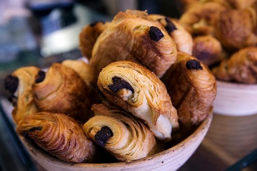 Bakery「Chocolate Croissants」:スマホ壁紙(2)