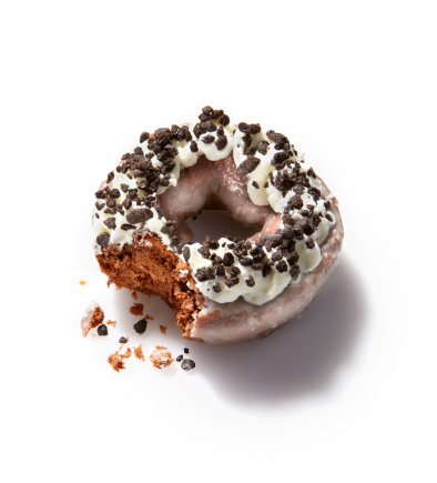 ドーナツ「Chocolate cream donut with a bite taken out of it」:スマホ壁紙(7)